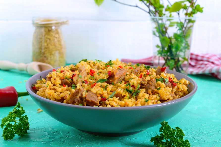 Dinde épicée Avec Salade Au Boulghour Et Grenade