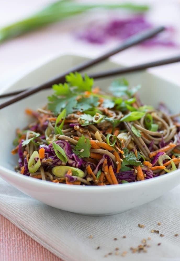Nouille Thaïlandaise Aux Arachides Végétarien
