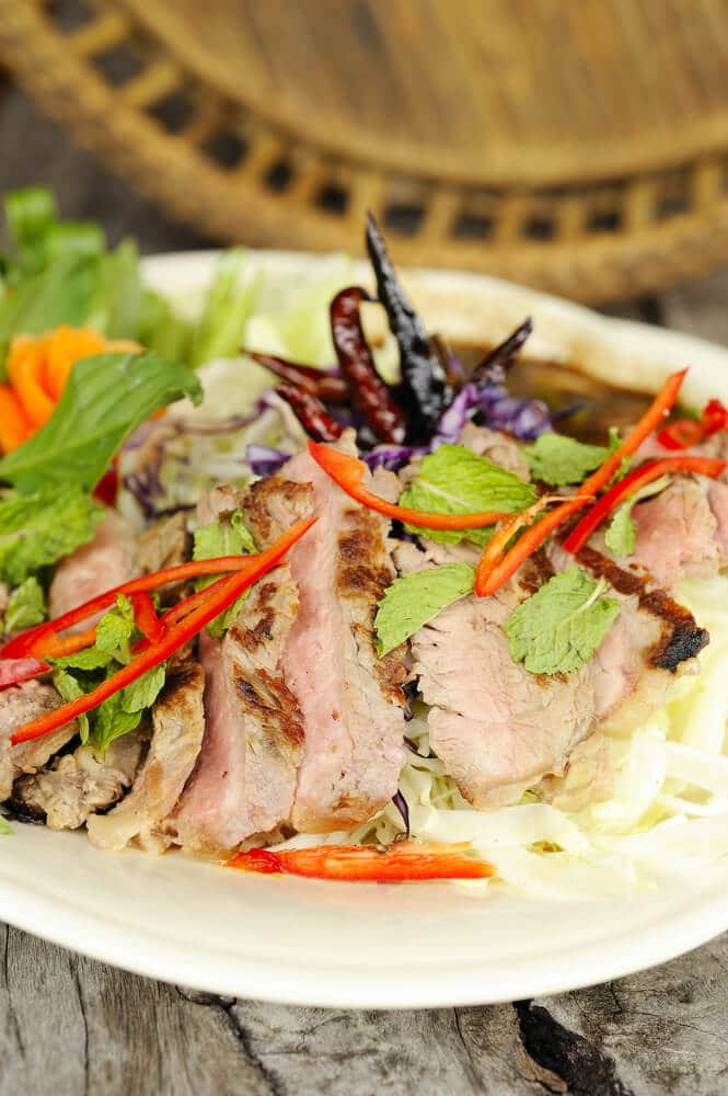 Salade De Bœuf Sauté Aux Câpres Et à La Menthe