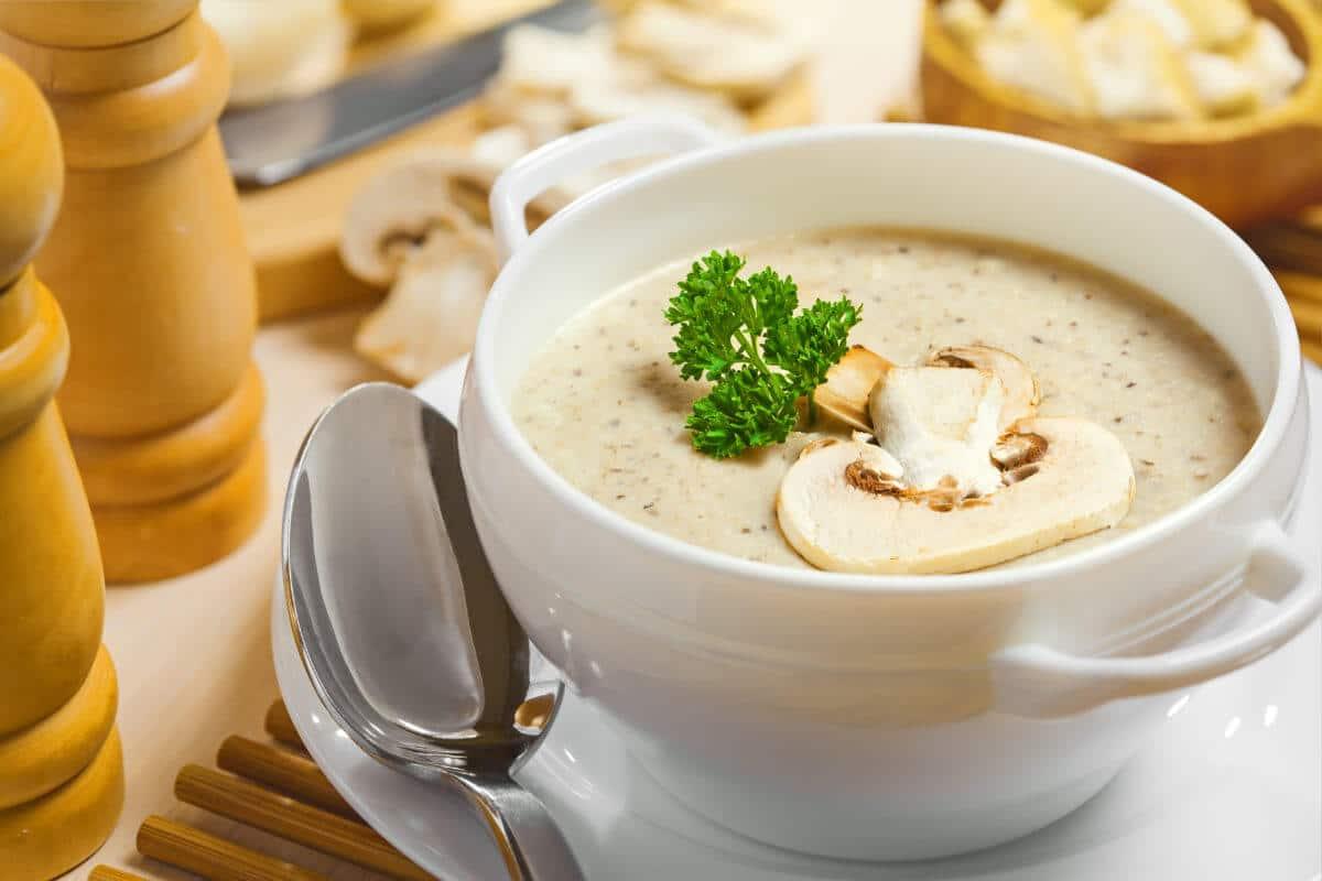Soupe Aux Champignons De Paris