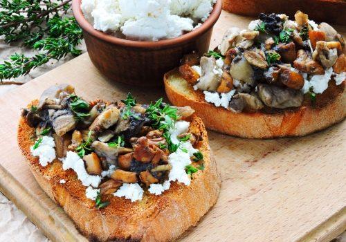 Tartines Grillées Aux Champignons Et à La Ricotta Vegan